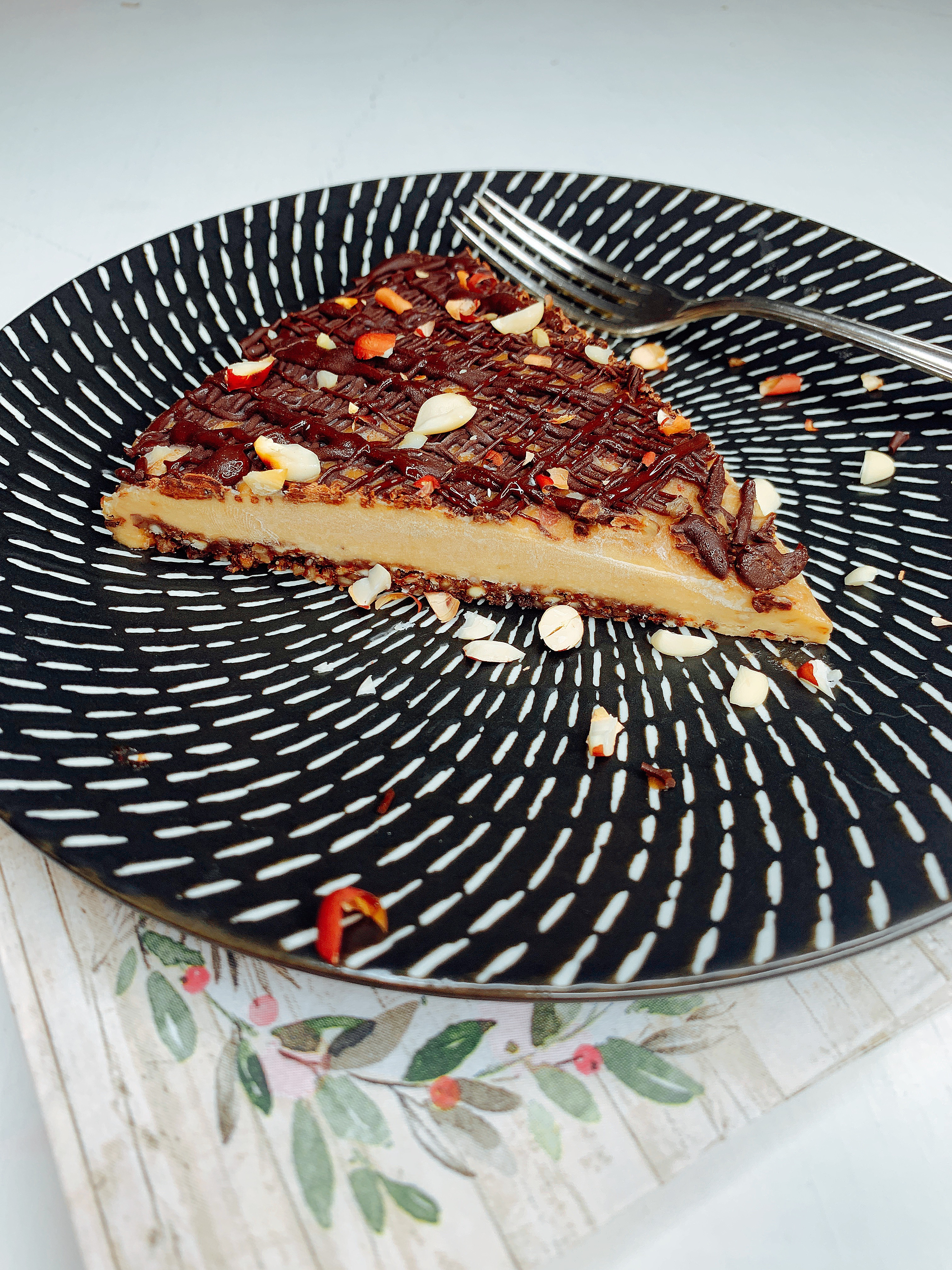 Erdnuss-Schoko-Tarte, vegan – glutenfrei – zuckerfrei