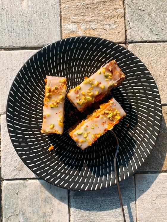 glutenfreier Pistazien-Mandel Kuchen mit Limette
